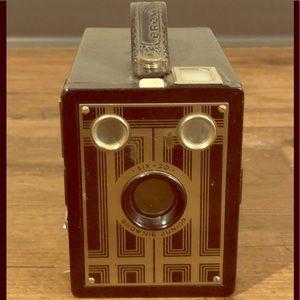 Vintage brownie junior camera 6-20